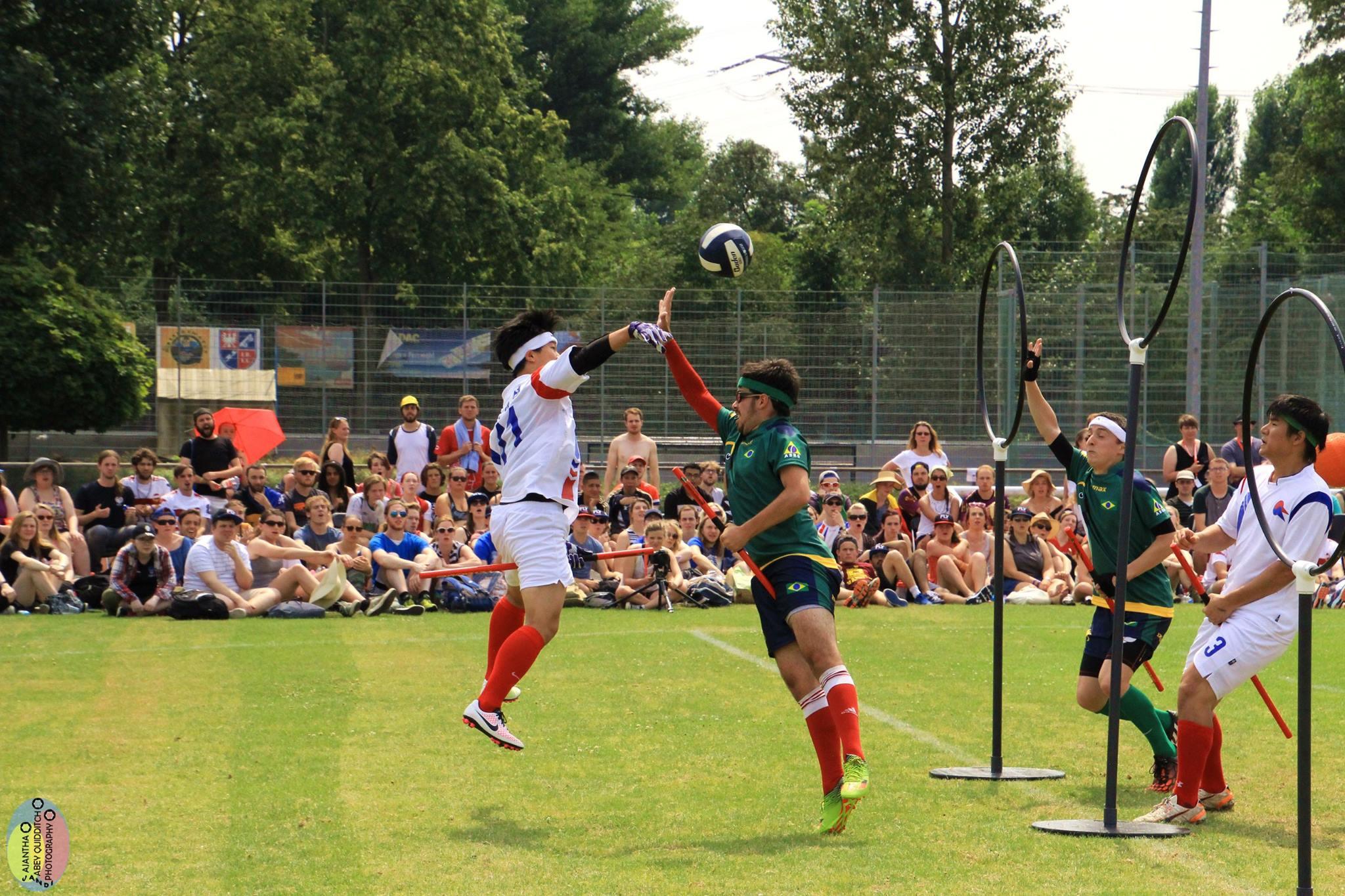 O goleiro, Roberto Malta, defendendo os aros contra a Coreia do Sul.<br /> <br /> Créditos da foto: Ajantha Abey Quidditch Photography
