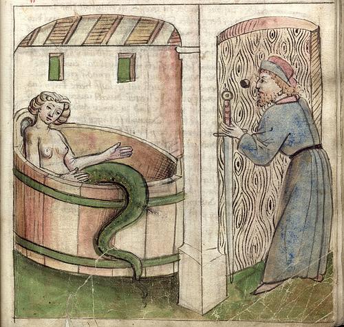 Ilustração antiga. Nela, vemos Melusina tomando banho em uma banheira. Nesta versão, ela é metade serpente da cintura para baixo. Ela é observada por Raymond através de uma fresta na parede.