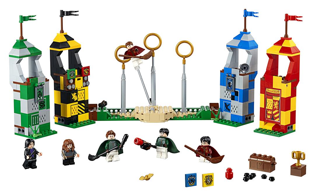 Foto do produto, com as figuras, objetos e as torres das quatro casas.