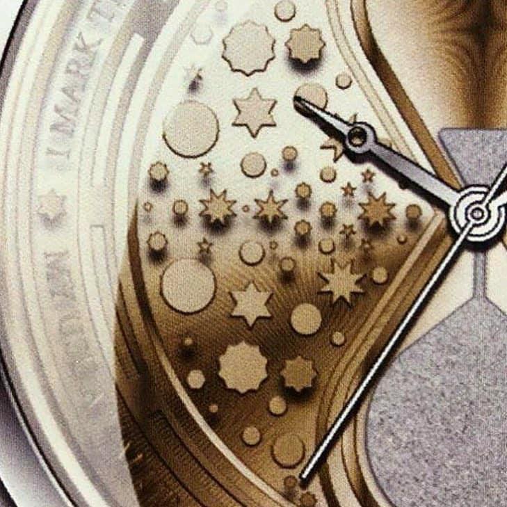 Modelo de relógio inspirado no vira-tempo de Hermione. Maior descrição abaixo.