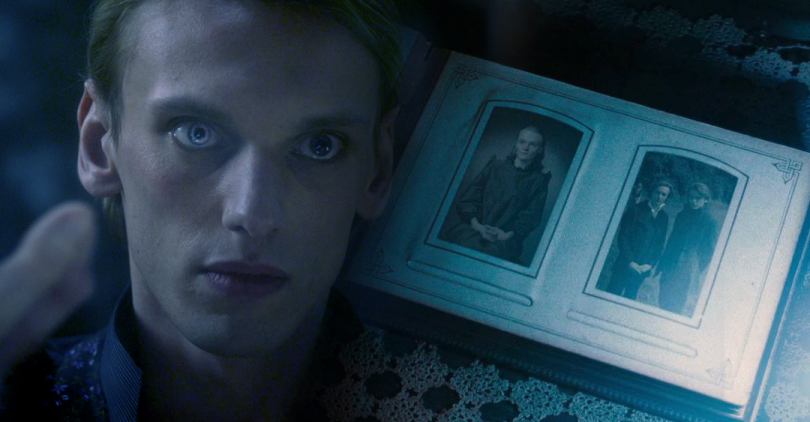 Montagem do ator Jamie Campbell Bower ao lado da imagem de Relíquias da Morte - Parte 1.