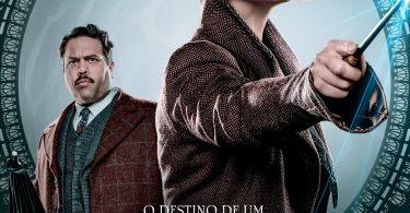 """Pôster individual de Queenie e Jacob. Queenie está em destaque com uma varinha em punhoe Jacob está ao fundo, segurando um guarda-chuva. Acima do logo, lê-se: """"O destino de um. O futuro de todos"""""""