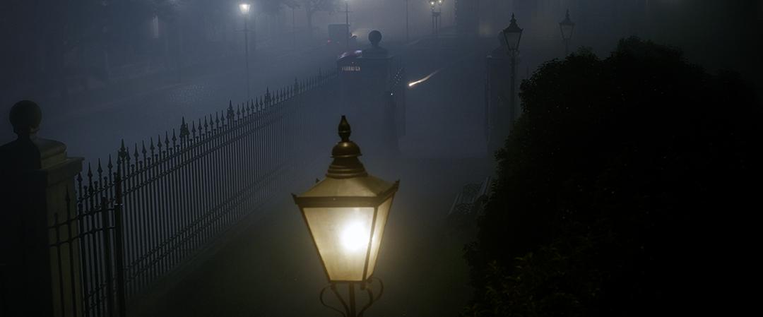 Frame da cena, onde Dumbledore utiliza o desiluminador para apagar três postes de uma rua de Londres.