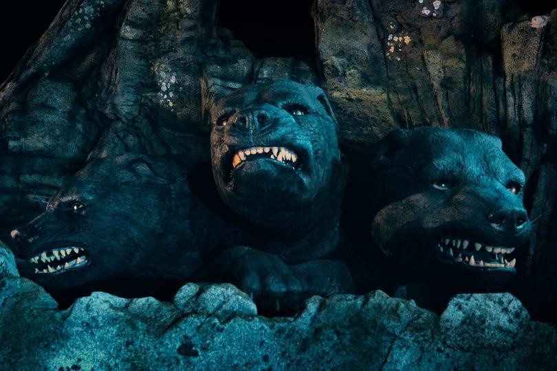 As três cabeças do cão gigante Fofo.