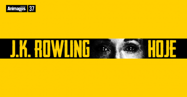 """A imagem é toda amarela, e, no centro, há uma faixa preta onde é possível ver os olhos de J.K. Rowling e o texto """"J.K. Rowling hoje""""."""