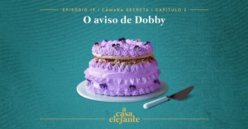 Capa do episódio. Nela, há texto com as informações do episódio e um bolo cheio de glacê roxo no centro. O fundo é verde-água.